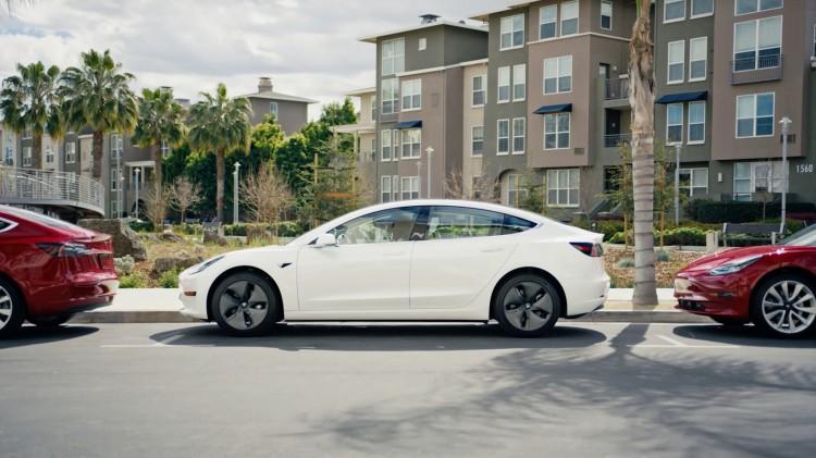 Model 3击败本田思域成加州销冠 Model Y交付速度加快
