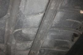 锦湖轮胎花纹沟基部周向开裂,使用两年多,行驶35000公里