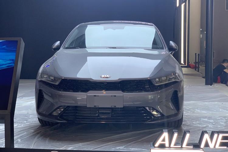 2020成都车展:起亚新K5凯酷实车发布