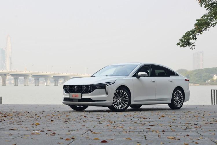 新国民家轿 全新第三代奔腾B70售9.99万起