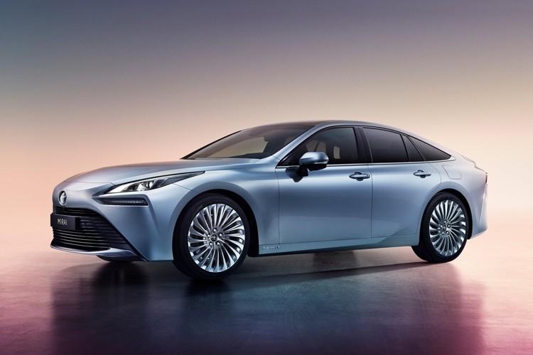 未来汽车的新思路 丰田Mirai燃料电池车首发
