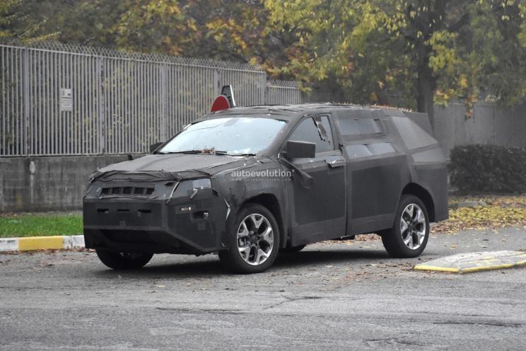 比大指挥官便宜 Jeep入门7座SUV谍照曝光