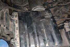空气格安装座螺丝孔滑丝