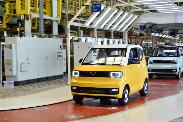 上汽通用五菱全系销售88.4万辆,新能源半年销量超去年全年!