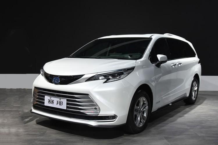 2021成都车展:广汽丰田赛那SIENNA首发