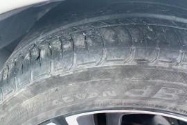 思域17寸轮胎大量脱皮