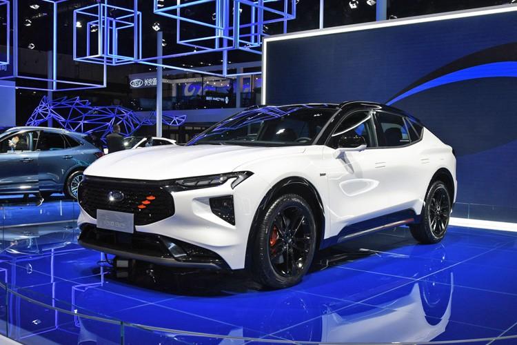 福特首款跨界SUV,40英寸巨屏,25万你能接受吗?