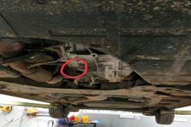 多次维修并更换发动机发动机无力,底盘严重异响