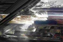 车顶天窗漏雨严重,前大灯更换3次继续起雾状