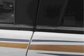 玻璃窗夹条里面金属生锈