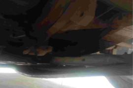 变速箱壳漏油