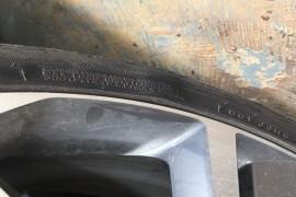1000公里轮胎鼓包
