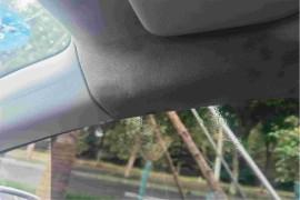 车辆天窗及右A柱严重漏水!