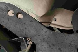 驾驶室钢质太差,无故断裂且断面粗糙没有韧性