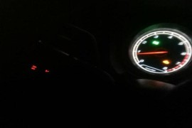 发动机故障灯时常会闪亮。要求退换车