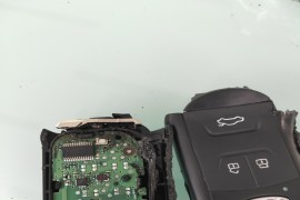 钥匙自燃和胎压监测故障