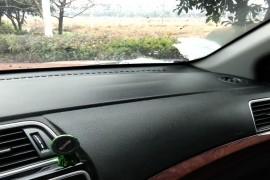 副驾驶安全气囊位置下凹