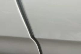 买的新车不到一个月,发现左后门有过喷漆