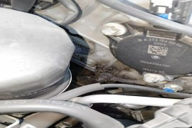 奔驰发动机漏油