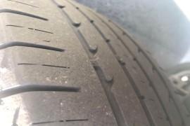 1年多的新车后轮异常严重磨损