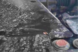水箱漏水,发动机、变速箱等部件存在安全隐患。