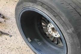 19款帕萨特两前轮内侧磨损严重