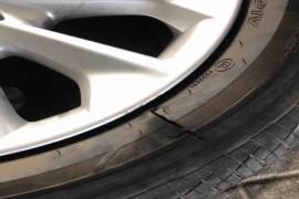 丰田19款卡罗拉新车开671公里出现炸胎