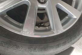 汽车四个轮鼓铝氧化