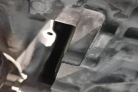 车子发动机部位漏油,车子质量问题