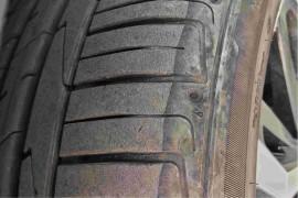 轮胎严重开裂