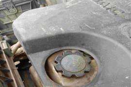 发动机漏油,车身生锈