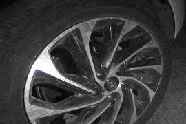 四个月的车,轮胎鼓包爆胎。