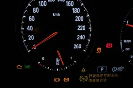 新车300公里,正常行驶中发动机故障灯亮