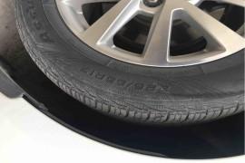 固特异轮胎严重开裂,危害消费者安全