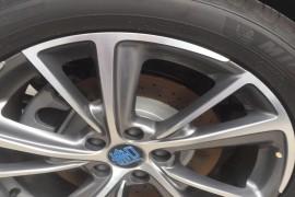 比亚迪新车未提,底盘,车轮胎到处生锈,要求退换车