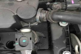 发动机渗油