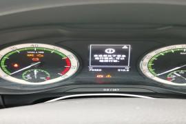 正常行驶中报变速箱紧急制动可以继续行驶,