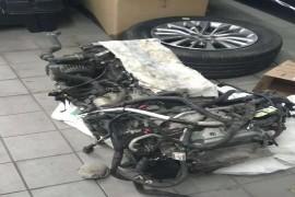 发动机冷却液渗漏到发动机气缸体内部
