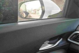 主驾驶车门严重异响,玻璃异响严重,质量问题