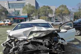 严重事故车祸,安全气囊未打开