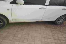车身严重生锈前门生锈
