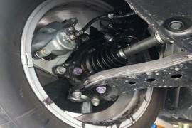 丰田亚洲龙新车漏油