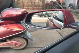 新车玻璃有划痕门关不上