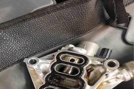 发动机皮带机油浸泡掉渣导致发动机堵塞