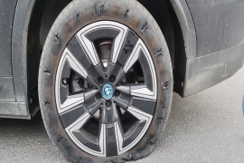 更换4个车轮轮胎,或换车