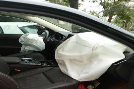 因连续刹车踩空失灵,造成重大事故。