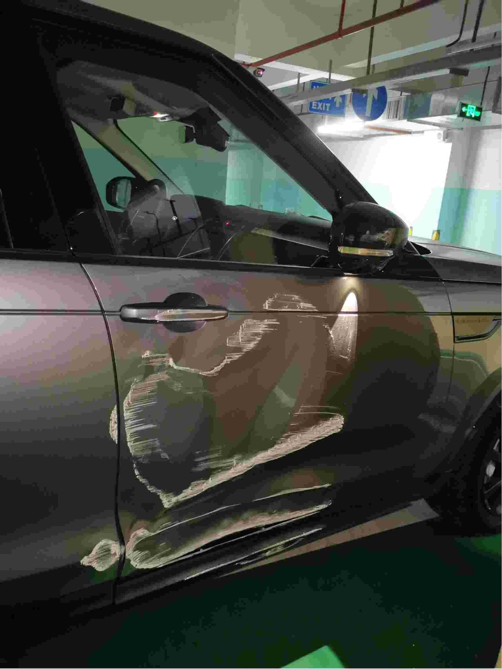 路虎汽车泊车辅助功能缺陷导致事故,厂家推卸责任