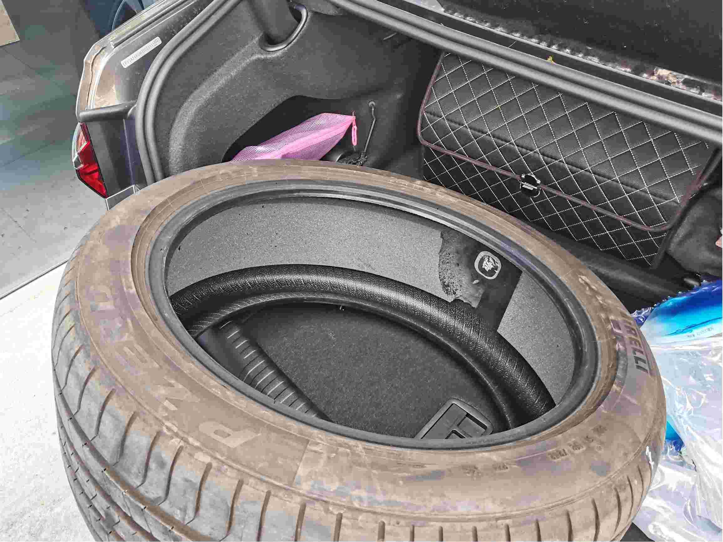 新车轮胎是补过的轮胎