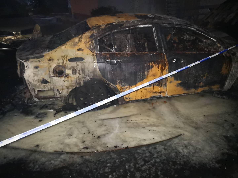 2013年1月上牌,2017年12月28日行驶途中发生自燃