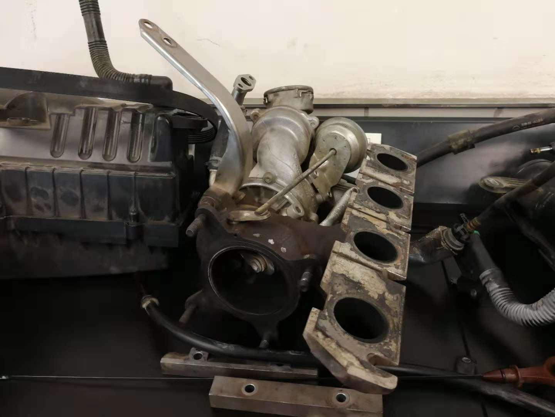奥迪保养使用劣质机油造成发动机损坏拒不赔偿,投诉奥迪公司无人打理